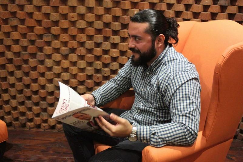 SAÚL PALAZUELOS: JOVEN EMPRENDEDOR Y CONSULTOR