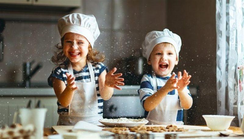 niños-cocina
