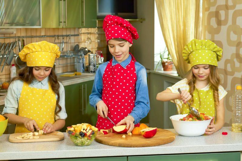 three-kids-cooking-4G3JQ65-min
